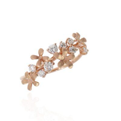 Blütenring mit Diamanten