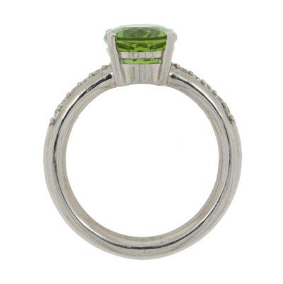 Turmalinring oval grün Seitenansicht